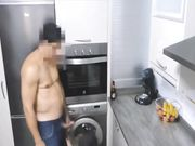Una esposa madura es atrapada en un acto sexual con un amante